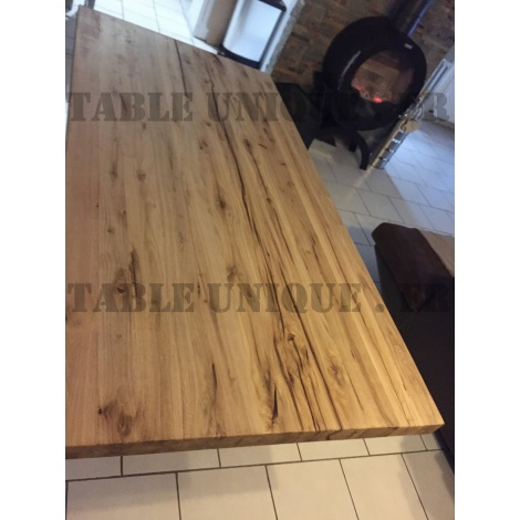 Vendu Table en chêne naturel