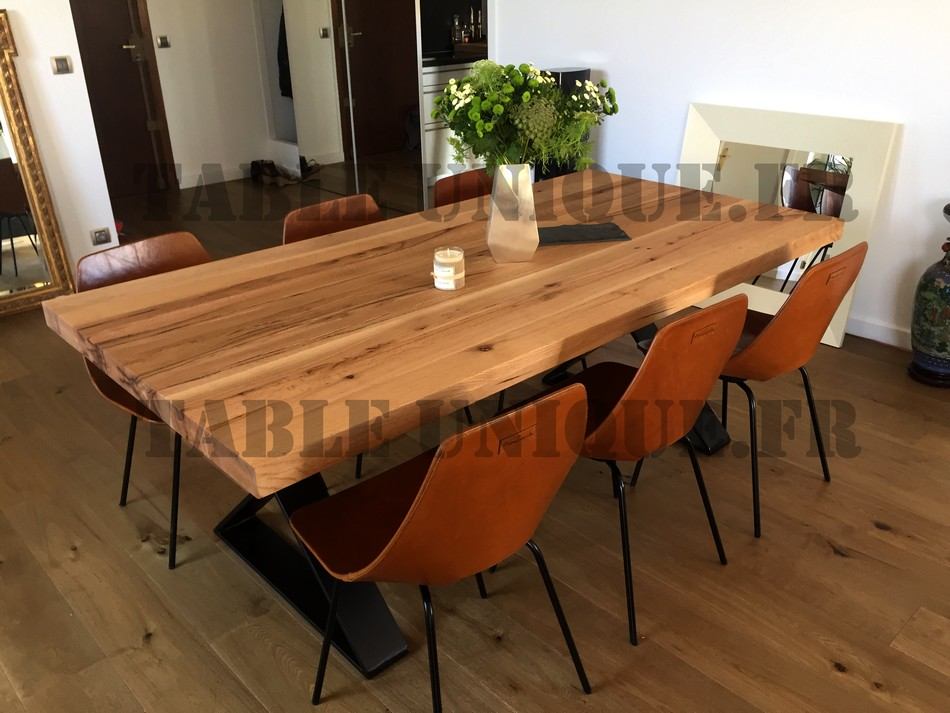 Table de salle manger contemporaine vendu 1090 euros for Table a manger contemporaine