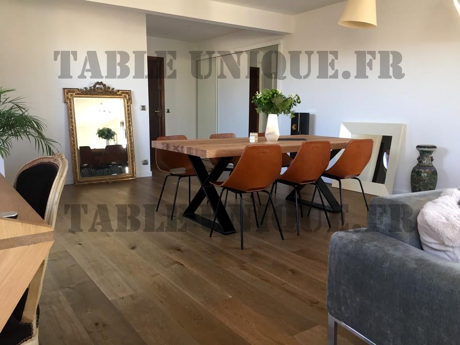 Table de salle manger contemporaine vendu 1090 euros Table salle a manger contemporaine