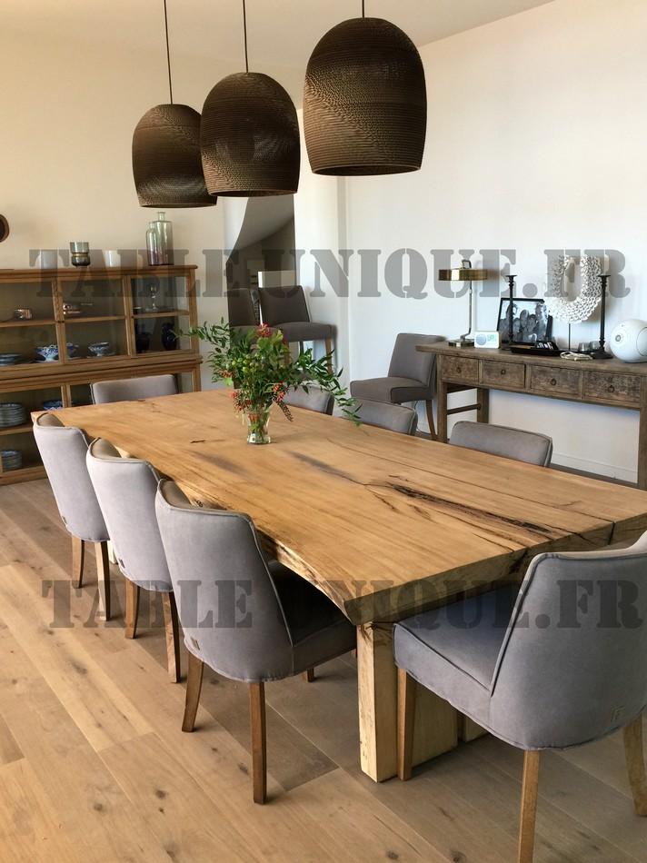 Table En Tranche D Arbre De Chene Massif Vendu 2900 Euros