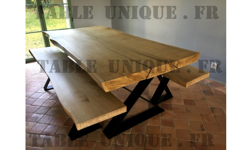 table de salle manger en bois brut massif vendu 1950. Black Bedroom Furniture Sets. Home Design Ideas
